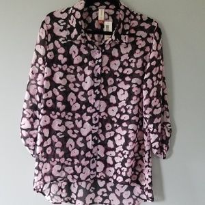 No Boundaries sheer button up front Blouse.